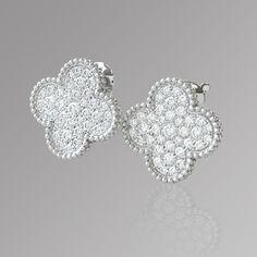 """ヴァン クリーフ&アーペル(Van Cleef & Arpels) https://ureruyo.com/houseki/brand-jewelry/vancleefarpels/ ブランドの中でも圧倒的人気を誇る""""アルハンブラ""""モチーフ。四葉のクローバーを模したこのデザインは""""幸運""""を象徴しています! ウレルではアルハンブラをはじめとするVCAのアイテムを買取強化しております!お持ちのアクセサリーが思わぬ高値になるチャンス!(9`・ω・)9お気軽にご相談ください☆"""