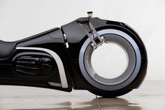 - De Light cycle uit de Tron film bestaat echt - Manify.nl