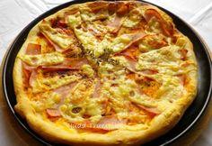 Sonkás-sajtos pizza recept képpel. Hozzávalók és az elkészítés részletes leírása. A sonkás-sajtos pizza elkészítési ideje: 20 perc Ham And Cheese, Hawaiian Pizza, Food And Drink, Favorite Recipes, Meals, Meal, Yemek, Food, Nutrition