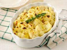 Un contorno importante che, all'occorrenza, può diventare anche un piatto unico. Il gusto intenso del cavolfiore al forno si sposa qui con la salsa Mornay