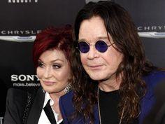 Dieses Liebescomeback gönnt den beiden wohl jeder: Obwohl Ozzy Osbourne seine Frau Sharon nach 33 gemeinsamen Ehejahren mit seiner Hairstylistin betrogen hat, ist das Kult-Chaospärchen inzwischen wieder so verliebt wie eh und je. Warum sich die Betrogene wieder auf eine Beziehung mit dem Altrocker eingelassen hat, das hat Sharon nun in einem TV-Interview verraten.