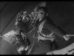 Oktyabr, ten days that shook the world. irectors: Grigori Aleksandrov (as G. Aleksandrov), Sergei M. Eisenstein (as S. M. Eisenstein)