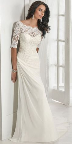Lace wedding dress. All brides dream of finding the most suitable wedding, but for this they need the perfect wedding dress, with the bridesmaid's dresses enhancing the brides dress. Here are a few suggestions on wedding dresses.