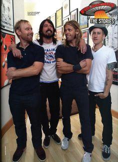 Foo Fighters, best live shows ever Foo Fighters Dave Grohl, Foo Fighters Nirvana, Chris Shiflett, Taylor Hawkins, Vinyl Music, Music Lyrics, Music Like, Pearl Jam, Rock Music
