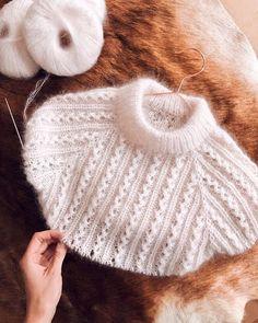 """146 To se mi líbí, 0 komentářů – HladceObrace (@hladceobrace) na Instagramu: """"Knitting for Olive uz visi na eshopu! Doskladnili jsme Soft Silk Mohair, Merino a nove u nas…"""" Baby Knitting Patterns, Baby Hats Knitting, Lace Knitting, Knitting Designs, Knitting Stitches, Knitted Hats, Diy Crafts Knitting, Diy Crafts Crochet"""