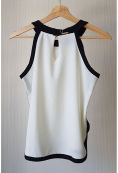 blusa9 Blouse And Skirt, Blouse Dress, Beautiful Outfits, Cool Outfits, Love Fashion, Womens Fashion, Fashion Design, Couture Tops, Blouse Vintage