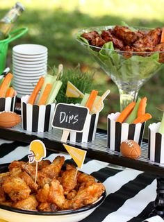 More great football party ideas. Love the dip cups! #TailgateWithFoodSaver