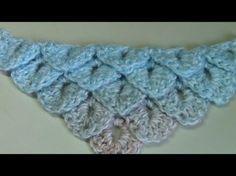 3 November 2015 De krokodillensteek is er op meerdere manieren en ik laat de steek zien in combinatie met een omslagdoek gehaakt vanuit de punt Er zijn 2 fil... Poncho Shawl, Crochet Poncho, Crochet Motif, Crochet Stitches Patterns, Stitch Patterns, Crocodile Stitch, Crochet Videos, Crochet Clothes, Crochet Projects