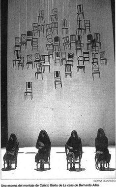 Escena del montaje de Calixto Bieito de La casa de Bernarda Alba // Encyclopedia of Graphics, by Bill Wolf