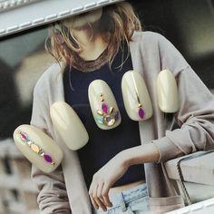 秋/オフィス/デート/女子会/ハンド - Private Salon Laule'aのネイルデザイン[No.2517816]|ネイルブック Nail Jewels, Flower Nails, Summer Nails, Fall Nails, White Nails, Toe Nails, Pedi, Nails Inspiration, Beauty Nails