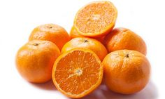 Scientists claim that injecting patients with high doses of vitamin C, found in oranges, could be a safe and potentially effective form of cancer treatment Beat Cancer, High Dose Vitamin C, Higher Dose, Cancer Treatment, Health Tips, Battle, Health And Beauty, Weight Loss, Vitamin C
