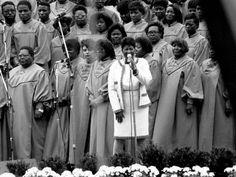 Aretha Franklin, the Queen of Soul Singing The National Anthem, Auburn Hills, Detroit Free Press, Soul Singers, Tribeca Film Festival, Radio City Music Hall, Aretha Franklin, American Music Awards
