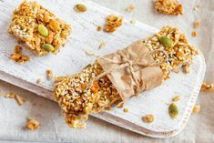 The Everyday Chef: Crunchy Homemade Granola (no sugar added) - Fruits & Veggies More Matters : Health Benefits of Fruits & Vegetables Fruit Benefits, Health Benefits, Eat Smart, Fruits And Veggies, Vegetables, Granola Bars, Breakfast Recipes, Breakfast Ideas, Meal Planning