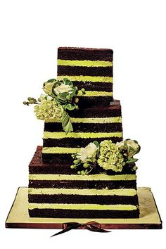 The New York Magazine Weddings issue is out, and we've got pics of 10 featured cakes that are as gorgeous as they are delicious.