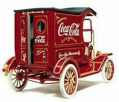 The 1913 Coca-Cola Ford Model T Delivery Truck: ~ Vintage Cars Coca Cola Vintage, Coca Cola Ad, Always Coca Cola, World Of Coca Cola, Vintage Ads, Vintage Signs, Vintage Trucks, Coca Cola Bottles, Cocoa Cola