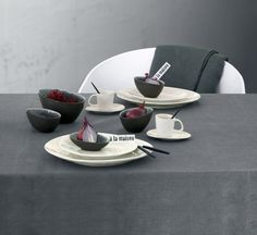 A La Maison Dessert Plate is part of the new collection by Asa Selection in fine dark-colored ceramic oyster, satin outside, polished inside. For a modern and elegant table. The entire collection is hand-made and crackle. #AutumnTable