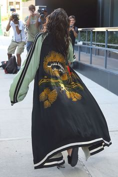 Kardashian Combines Sheer Top, Bike Shorts and Kimono for the Most Kim Kardashian Outfit Ever Kim Kardashian West Wears See-Through Bustier, Bike Shorts Mode Outfits, Casual Outfits, Fashion Outfits, Womens Fashion, Fashion Trends, Runway Fashion, Fall Outfits, Abaya Fashion, Kimono Fashion