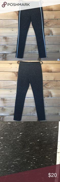 Lou & Grey leggings NWOT heathered black with gray stripe. True to size Lou & Grey Pants Leggings