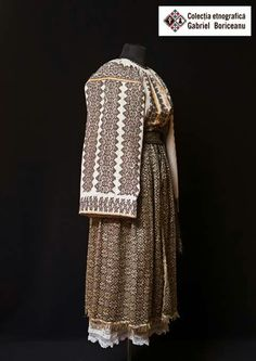Folk Costume, Costumes, Historical Women, Folk Art, Textiles, Traditional, Embroidery, Clothes For Women, Blouse