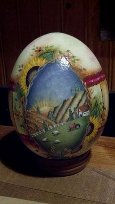 Used a Between the Vines pattern to go by. Ukrainian Easter Eggs, Ukrainian Art, Easter Egg Crafts, One Stroke Painting, Egg And I, Egg Art, Egg Decorating, Learn To Paint, Your Paintings