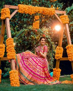 New Mehendi Decor Ideas That We Are Totally Crushing On! New Mehendi Decor Ideas That We Are Totally Crushing On! Desi Wedding Decor, Wedding Stage Decorations, Quinceanera Decorations, Wedding Mandap, Wedding Sarees, Wedding Ideas, Wedding Receptions, Wedding Book, Farm Wedding