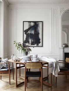 Minimal new midcentury modern white neutral monochrome palette dining room French Parisian apartment(Mix Wood Interior) Dining Room Design, Dining Room Furniture, Dinning Chairs, Room Chairs, Dining Set, Round Dining Table Modern, Mid Century Dining Table, Round Tables, Elegant Dining