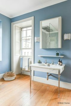 Denim Drift for bathroom Wall. No limita for such color! Bathroom Paint Colors, Bathroom Faucets, Bathroom Wall, Bathroom Decor Pictures, White Bathroom Decor, Bathroom Ideas, Primitive Bathrooms, Black Decor, Decoration Home