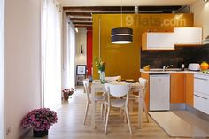 Mellow yellow. Cozy 1 bedroom flat a few meters from the beach. Colorful open plan kitchen, fully equipped. Modern bathroom with fresh towels for your arrival. For bigger groups, there are other apartments to rent in the same building. Sleeps 3 for €51/night