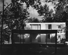 Even in 1961 when this house was commissioned, the visionary Architect saw the value of large glass panels!  They have only grown in both size and popularity since then!   Sit back and enjoy a look back in time and some great design!