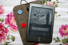 Angel of Berlin: [reads...] Divergent and Insurgent by Veronica Roth