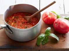 Recipe of the Day: Ugly Tomato Sauce Bright-red, blemish-free summer tomatoes are easy to love, but even the overripe ones that look as if they were crushed by a milk carton deserve a spot on the counter. Waste less and use those cracked, bruised beauties Recipe Using Tomatoes, Tomato Sauce Recipe, Sauce Recipes, Pasta Recipes, Spaghetti Recipes, Dessert Recipes, Italian Dishes, Italian Recipes, Italian Foods
