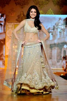 Choose Wedding Dress according to your Body Shape