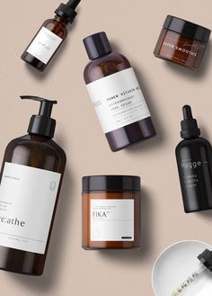 Iórun is a printable set ( 🚫 not a mockup ) of cosmetics labels perfect for the cosmetics brands, hand crafters or other creative businesses who aim for quality Bio Packaging, Skincare Packaging, Cosmetic Packaging, Brand Packaging, Beauty Packaging, It Cosmetics, Natural Cosmetics, Beauty Products Labels, Skin Products