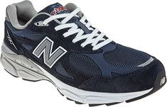 The legendary Made in USA 990 series comes full circle with the newest release from New Balance! The men's 990 features a classic design with a universal appeal, from its premium pigskin upper with mesh inserts for breathability to the stability-enhancing ABZORB midsole plus ENCAP to promote a healthy gait. Whether you're running five miles …