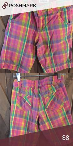 Cherokee plaid Bermuda shorts. 7/8 Plaid shorts . Bermuda style shorts . Like new condition, smoke and pet free home. Cherokee Bottoms Shorts