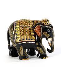 Elefante de madera pintado a mano Elephant Love, Elephant Stuff, Owl Rocks, Spirit Animal, Elephants, Color Combos, Lion Sculpture, Statue, Christmas Ornaments