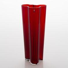 "Alvar Aalto, vas glas, ""Savoy"", Iittala 2000-tal. - Bukowskis Glass Design, Design Art, Alvar Aalto, Ragnar, Bukowski, New Pins, Modern Contemporary, Retro Vintage, Canning"