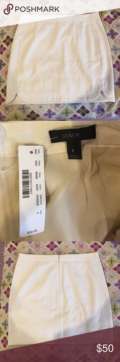 NWT J. Crew white skirt Made of 80% wool & 20% nylon. Length, 17 inches. Waist, 34 inches. J. Crew Skirts
