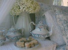 Carolyn Aiken traditional bedroom