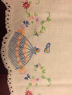 Unused Vintage Linen Embroidered Pulled Thread Work Table Mat Tray Cloth 24 x 15