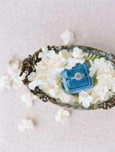 Elegant circle-cut engagement ring | Photography: Valentina Glidden