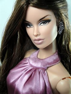 FR 'Luxe Life' Vanessa aka 'Evening' repaint/re-root/redress by anatchim on flickr