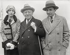 carl laemmle - Recherche Google Carl Laemmle, Picture Company, Classic Theme, Film Studies, Production Company, Universal Pictures, The Twenties, Bring It On, Suit Jacket