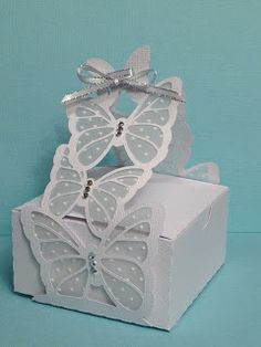 The Butterfly Favor Box from HIGH SKIES SVG KIT is just gorgeous all dressed up in white!  Tracey thought it would look great for a wedding favor and she's right!  It's just perfect!