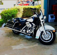 Harley Davidson Road King (Police Edition)   103 Motor. Done lots of work since purchased. Add ons such as highway pegs, custom exhaust. Dual seats with detachable backrest.