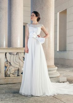 Wedding dress with bow belt and as beautiful tulle skirt by Giuseppe Papini
