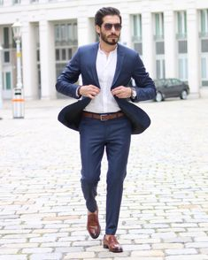 The traditional man's suit is a great choice of outfit for men. It's practical, looks good and is easy to … Formal Men Outfit, Formal Dresses For Weddings, Dresses For Teens, Wedding Dresses, Mens Fashion Suits, Mens Suits, Fashion Outfits, Casual Outfits, Work Outfits
