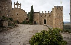Castell de Montsonís, al municipi de la Foradada, comarca de la Noguera (Catalonia)