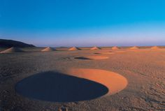 """Desert Breath: Land Art Project by D. Arteam """"Desert Breath"""" is a gigantic art installation in the Sahara desert created by D. The collective was founded in 1995 by Danae Stratou (in… Land Art, Desert Art, Artistic Installation, Colossal Art, Portraits, Crop Circles, Outdoor Art, Oeuvre D'art, Amazing Photography"""