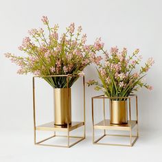 Cheap cylinder flower vase, Buy Quality flower vase directly from China flower vase metal vases Suppliers: Modern Decorative Round Iron Gold Metal Cylinder Flower Vase for Villa Sample Room Ornaments Vase Centerpieces, Vases Decor, Plant Decor, Diy Flowers, Flower Vases, Flower Vase Design, Flower Ideas, Vase For Flowers, Bathroom Vanity Designs